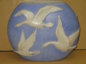 411: CONSOLIDATED/PHOENIX 'FLYING GEESE' VASE