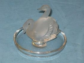 314: LALIQUE CRYSTAL 'TWO SWANS' PIN TRAY