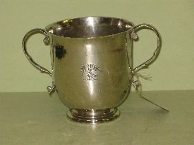 357: EARLY 18TH C ENGLISH STERLING CAUDLE CUP