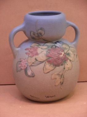 413: WELLER 'HUDSON' 2 HANDLE ART POTTERY VASE