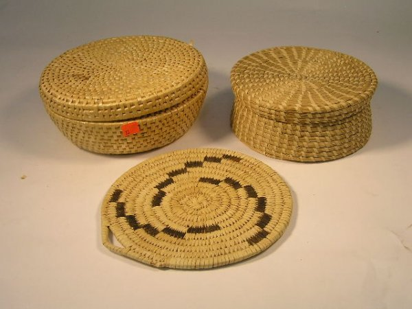 1023: PAPAGO INDIANS LOT OF 3 SWEET GRASS ITEMS - ARIZO