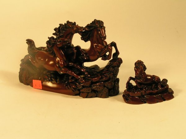 1004: HORSES & STALLION FIGURINE GROUP LOT OF 2