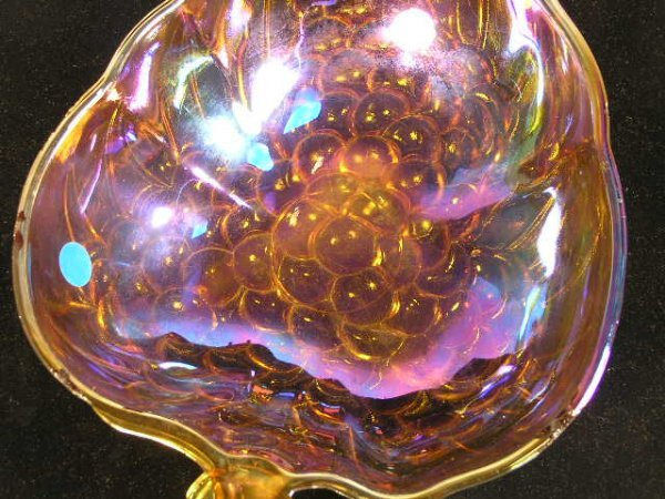 1017: CARNIVAL STYLE GLASS BOWL W/ GRAPE MOTIF - 3