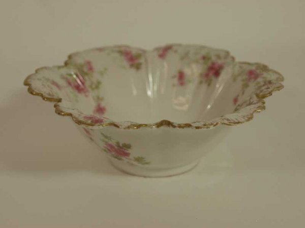 2017: FRENCH LIMOGES GDA CANDY DISH