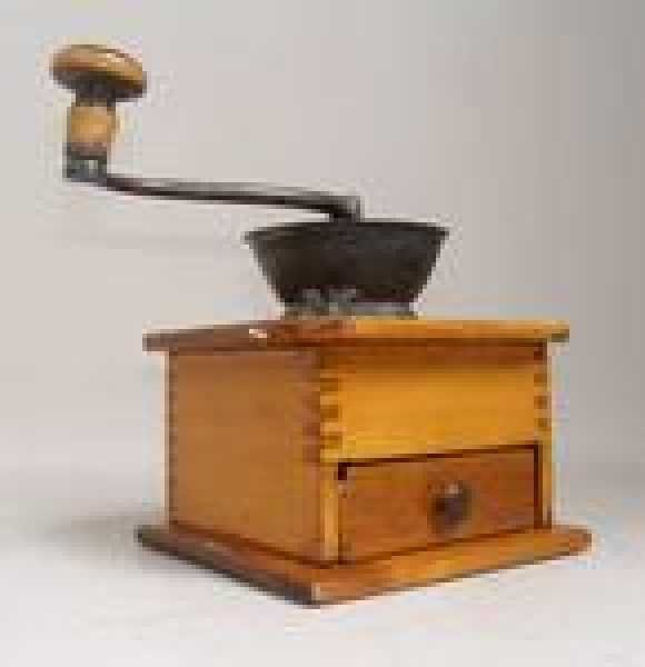 15: EARLY AMERICAN COFFEE GRINDER