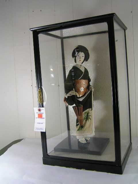7: Antique - Chinese Geisha Girl in Cased Box