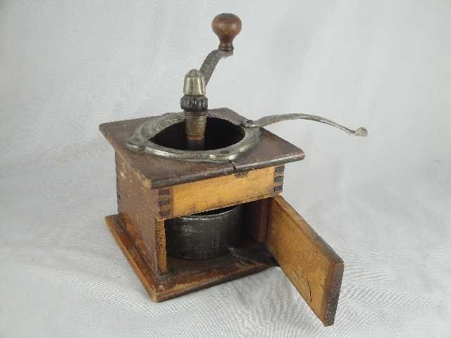 3: EARLY AMERICAN COFFEE GRINDER - 2