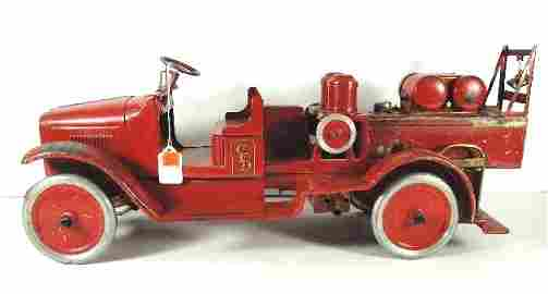 235: EARLY BUDDY L RED FIRE PUMP TRUCK