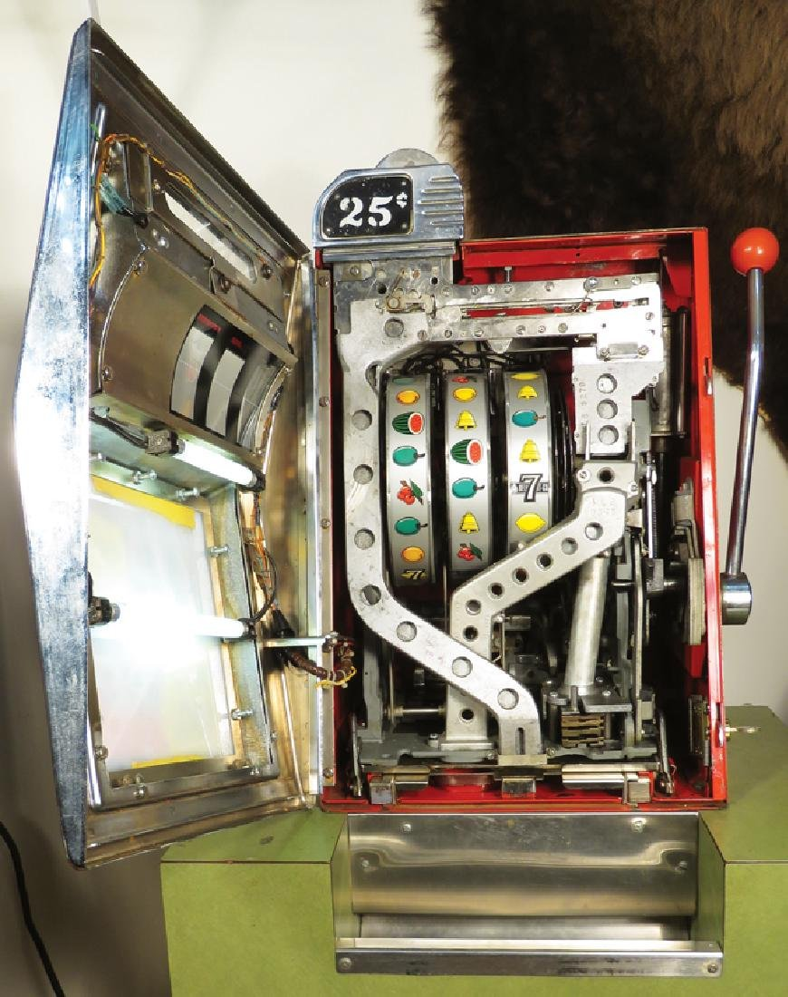 Mills 25 Cent Bell-O-Matic Slot Machine - 2