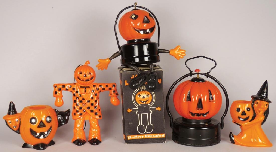 Collection of Vintage Plastic Halloween Items