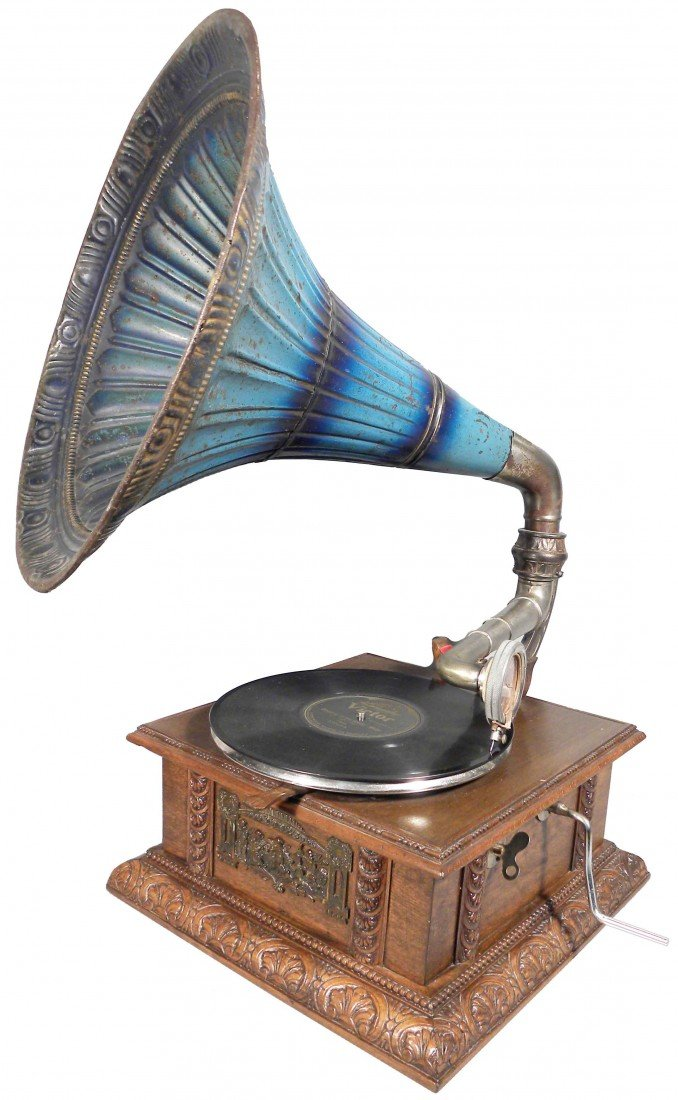 1933: Phonograph with Morning Glory Horn
