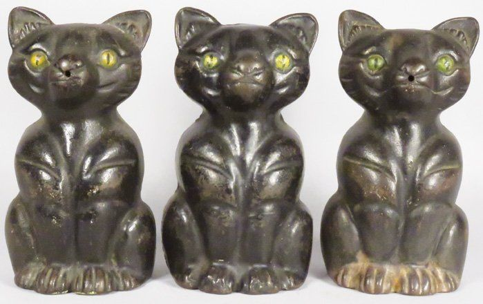 Three Hubley Cast Iron Sitting Cats