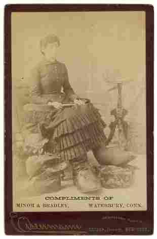 """MILLS, Fannie. Cabinet Photo of Fannie Mills, """""""