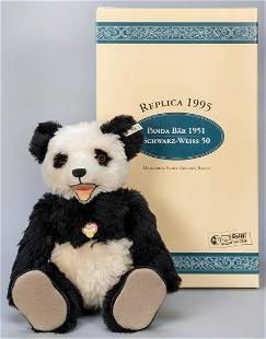 Steiff Panda Bear 1951 / 1995 LE Replica. Edition of