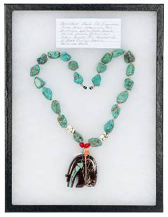 [JEWELRY] Bear Effigy Necklace. Necklace consists of