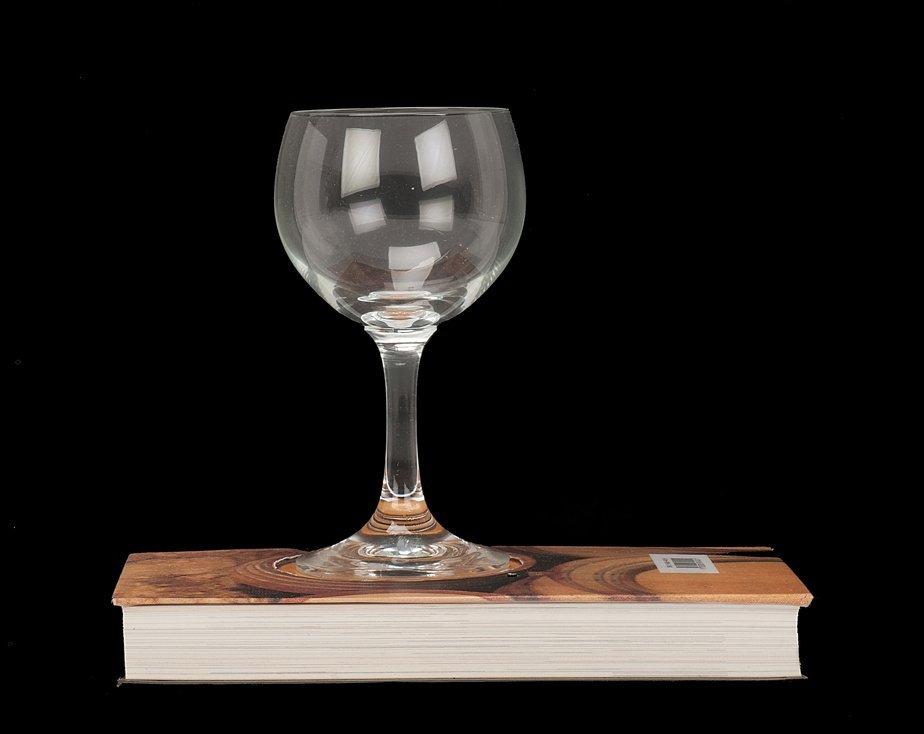 1: Bending Wine Glass. Berlin, Ted Lesley's Wonder Work