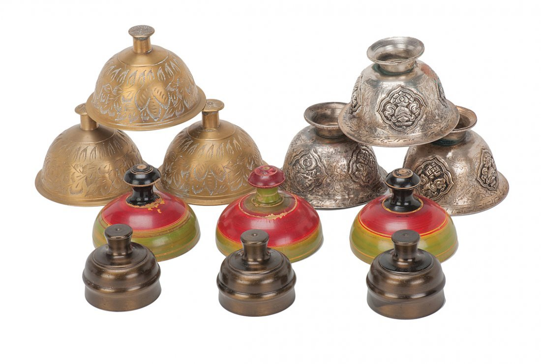17: Indian Cups, four sets. Two sets in brass.
