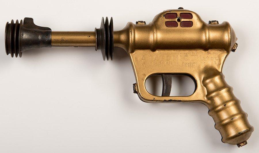 Buck Rogers U-235 Atomic Pistol. Plymouth, Mich.: Daisy