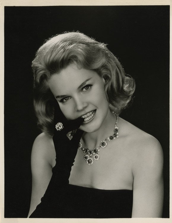 1: Carroll Baker portraits from Bridge to the Sun