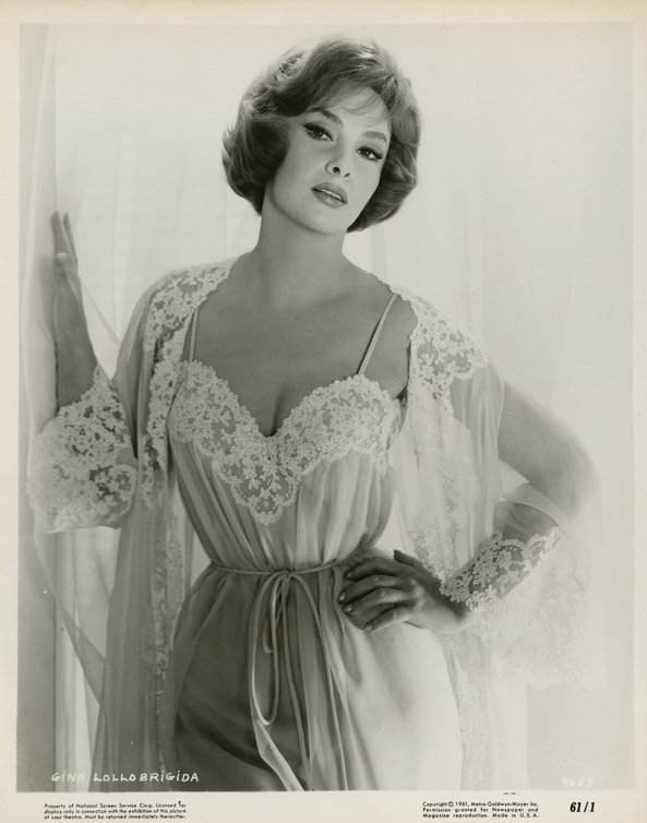 130: Gina Lollobrigida photos from Go Naked in the Worl
