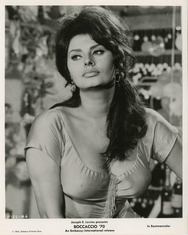 136: Sophia Loren portraits - A Breath of Scandal & oth - 2