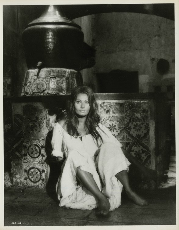 146: Sophia Loren photos - More than a Miracle to Blood
