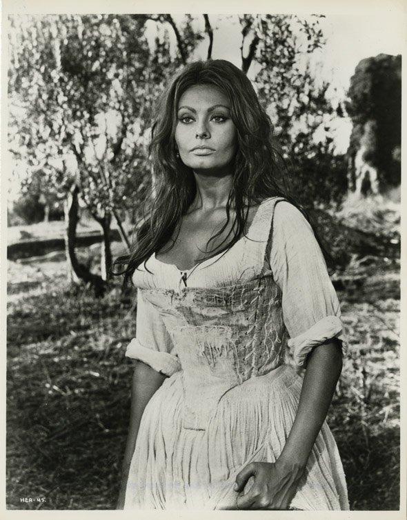 146: Sophia Loren photos - More than a Miracle to Blood - 2