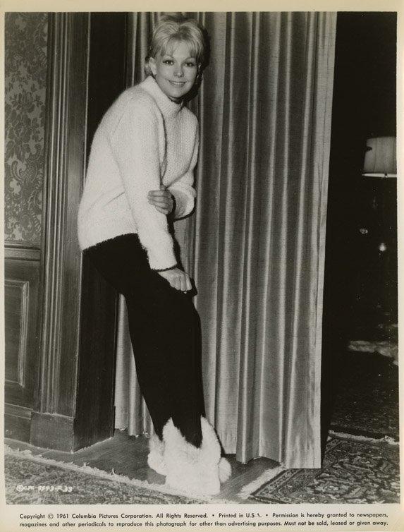 171: Kim Novak portraits from The Notorious Landlady - 4