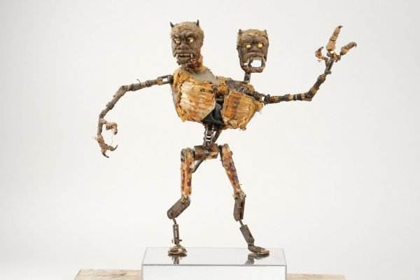 814: Two-headed giant puppet from Jack the Giant Killer