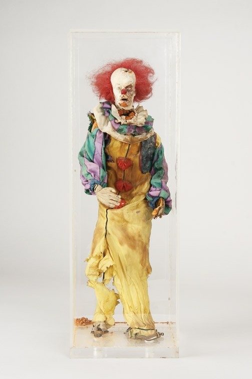 914: Tim Curry Pennywise armature puppet from It
