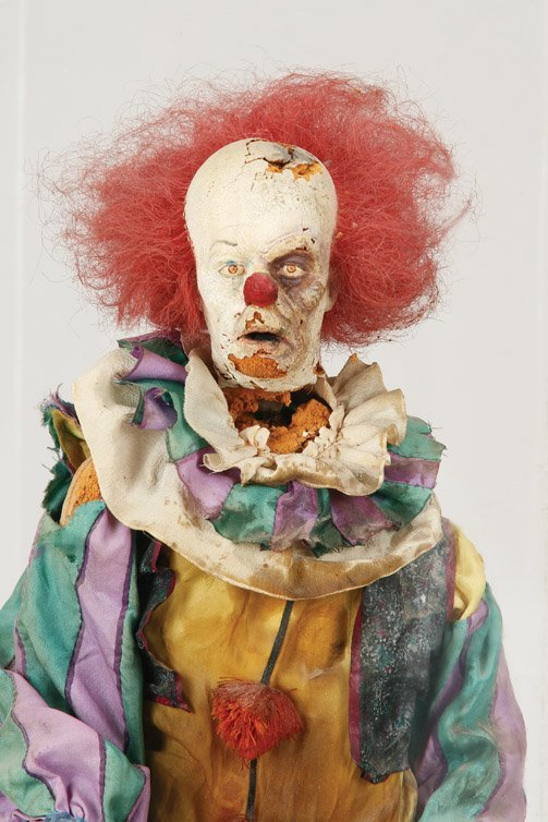 914: Tim Curry Pennywise armature puppet from It - 2
