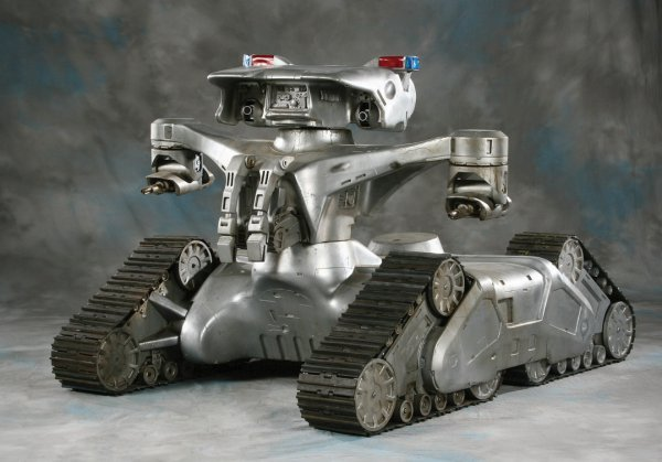 919: Screen-used Hunter/Killer Tank from The Terminator