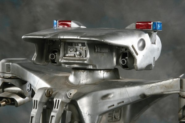 919: Screen-used Hunter/Killer Tank from The Terminator - 4