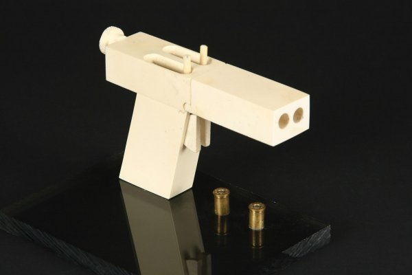 931: John Malkovich improvised gun In the Line of Fire - 2