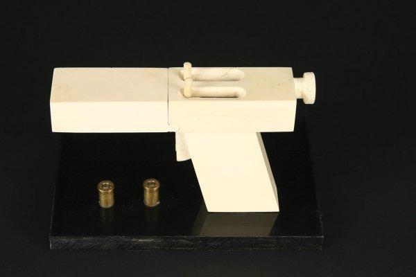 931: John Malkovich improvised gun In the Line of Fire - 3