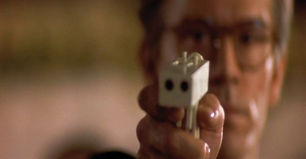 931: John Malkovich improvised gun In the Line of Fire - 5