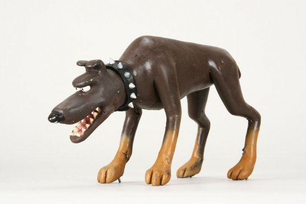 1007: Original screen-used guard dog from Chicken Run - 3