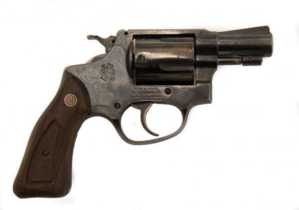 1009: Revolver that shoot Tony Soprano in The Sopranos - 2