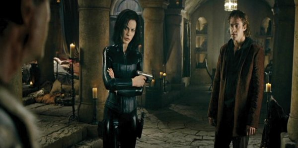 1044: Kate Beckinsale costume from Underworld Evolution - 5