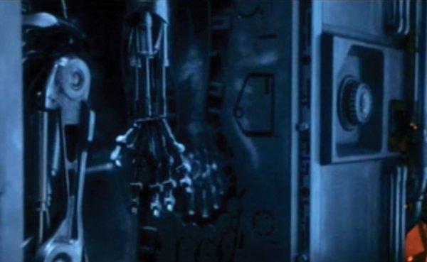 1135: Teaser trailer body molds from Terminator 2 - 2