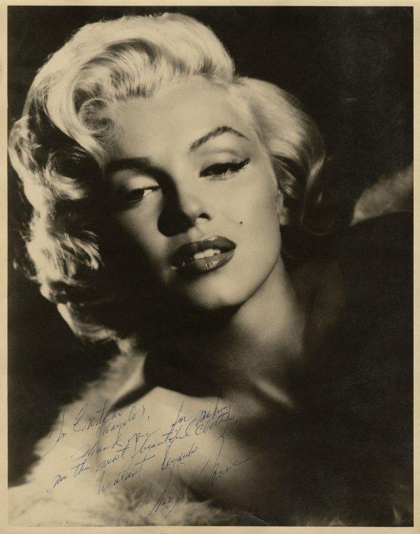 Marilyn Monroe Stunning Oversize Photograph Signed