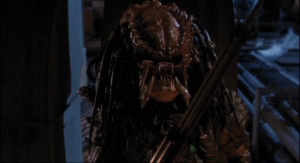 Predator Animatronic Mask & Costume from Predator 2 - 10