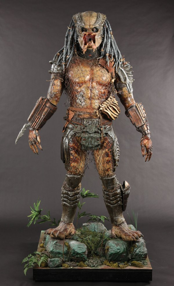 Predator Animatronic Mask & Costume from Predator 2