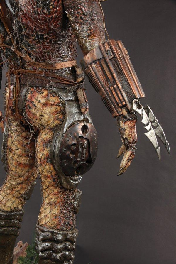 Predator Animatronic Mask & Costume from Predator 2 - 4