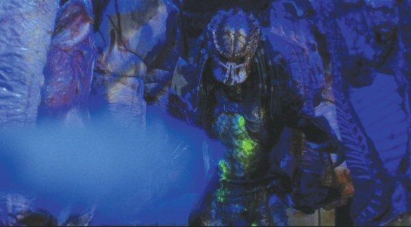 Predator Animatronic Mask & Costume from Predator 2 - 8