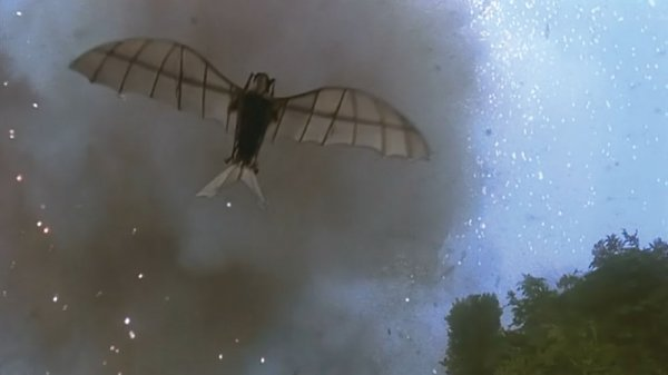 Da Vinci glider flown by Bruce Willis in Hudson Hawk - 4