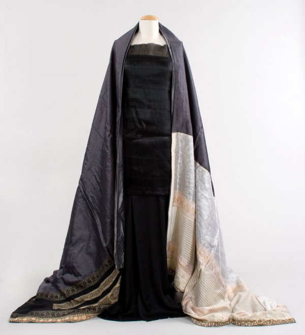 Connie Nielsen Lucilla black gown from Gladiator