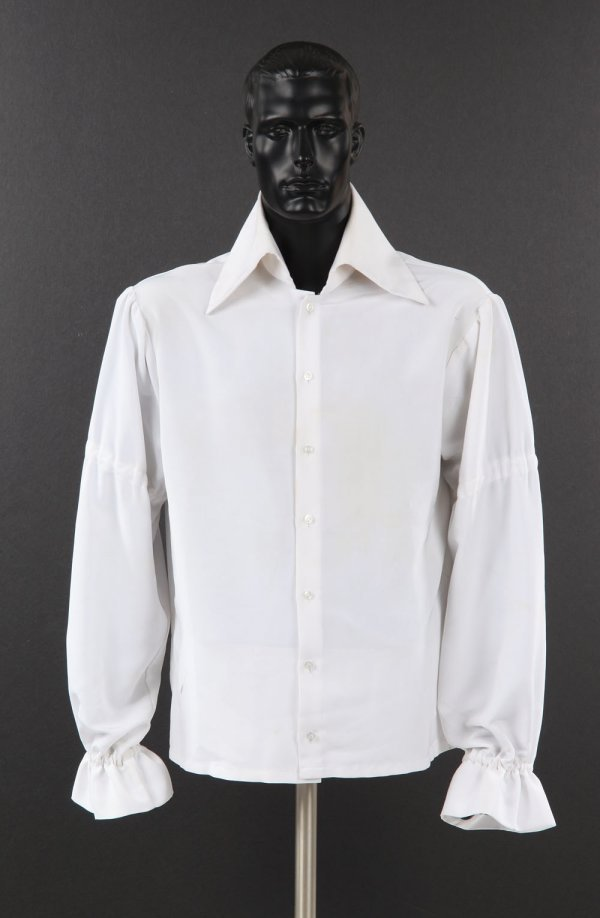 Elvis Presley's high collar shirt with puffy sleeves