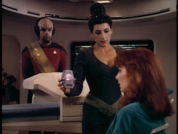 Hypnosis Device/Drug Dispenser from Star Trek TNG & DS9 - 2