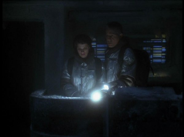 SIMS Beacon/Wrist Flashlight from Star Trek Voyager - 2